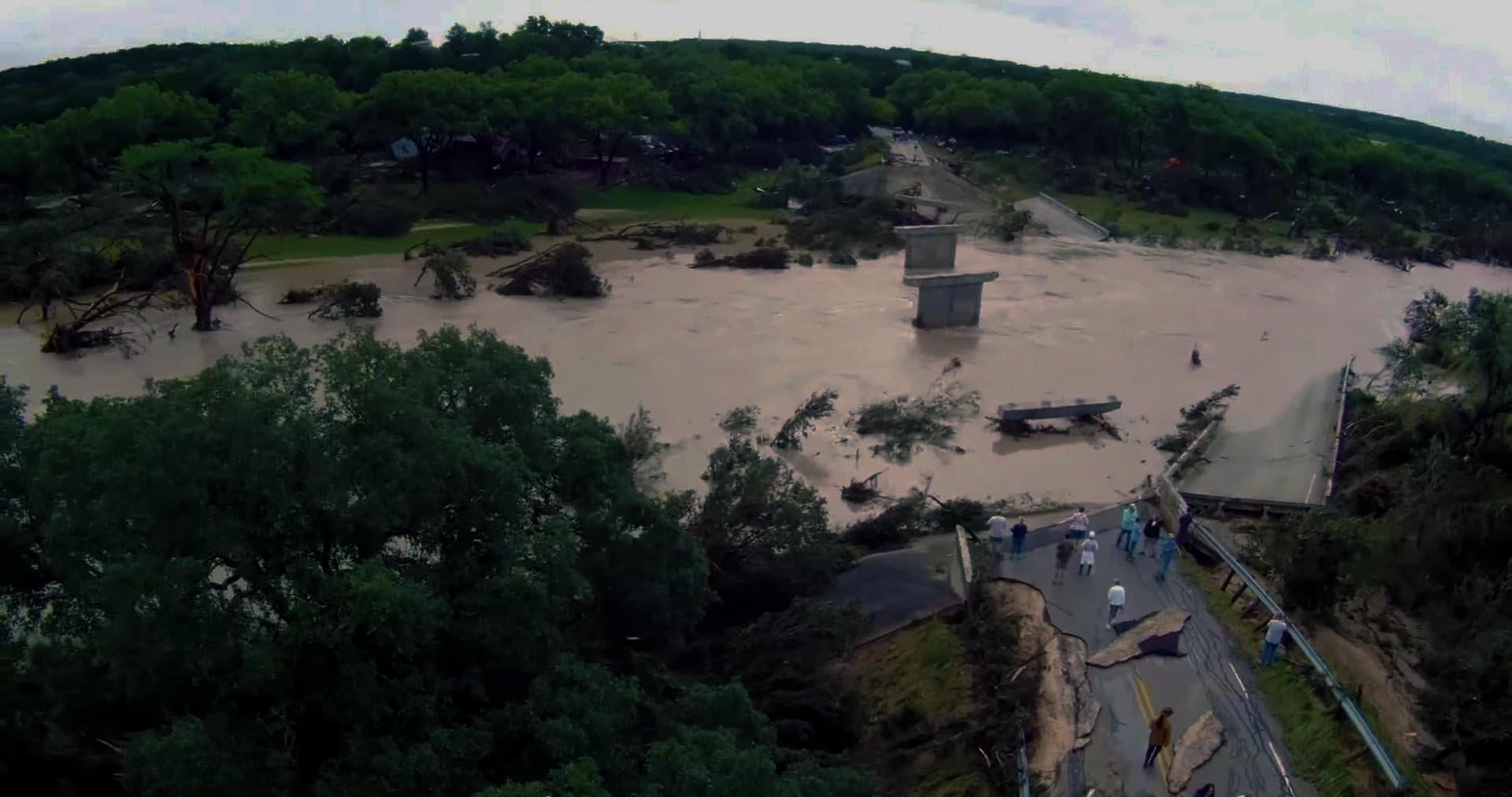 austin texas bridge flooding